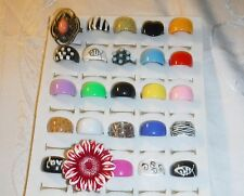 COOL *CHIC WHOLESALE VINTAGE COLLECTION 25 LUCITE RINGS FUNKY GROUP K MIXED SIZE