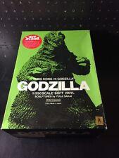 Kaiyodo King Kong Vs Godzilla Model Kit Vinyl Glows In The Dark 1/250 Scale