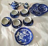 1940's Blue Willow porcelain dishes 19 piece set