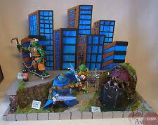 Eigenbau / Costum Made TMNT Toy Display Diorama + 4 Umgebaute Ninja Turtles