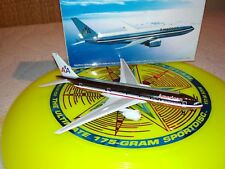 American Airlines B777-200  DRAGON WINGS 1/400