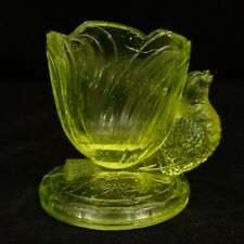 "VINTAGE 2.5"" BIRD EGG CUP Yellow Vaseline Glass SUMMIT Uranium Robin Swallow"