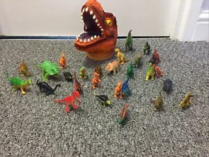 Dinosaur Collection Bundle With Container Q