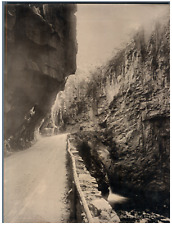 Deutschland, Eggenthal. Eingang  Vintage photomechanical print. Edition Photoglo