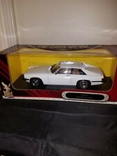 YAT MING - ROAD SIGNATURE COLLECTION - 1975 JAGUAR XJS - 1/18 DIECAST