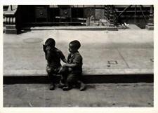 CPM HL33 New York c. 1942 HELEN LEVITT (d1104)