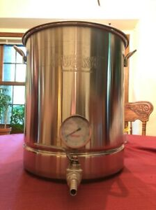 Bayou Classic 10 Gallon Stainless Steel Brew Kettle (Grain Home Brewer Beer)