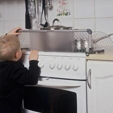 Safetots Dual Purpose Stove Top Guard Cooker Hob Protector Child Safe