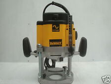 BRAND NEW DEWALT DW625 DW625E PLUNGE ROUTER 110V  (ROUTER ONLY)