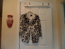 BEAUTIFUL BLACK AND WHITE COLOUR WORKS SWEATER SZ L NWT