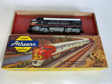 Vintage Athearn Ho Scale Model Trains Southern Pacific F7 Diesel Locomotive