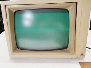 Apple II A2M2010 Vintage 115 VAC Green Phosphor Computer Monitor Display w/ Box