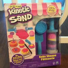 Kids - Kinetic Sand Bake Shop Playset - 1lb of Sand & 16 Tools