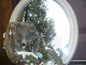 "Wolf Mirror ""Winter Hunte r"" Oval Cracked   Design Frame"