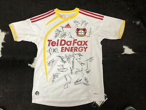 Original signiertes Unterschriften Autogramme Trikot von Bayer 04 Leverkusen