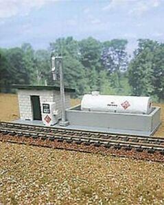 Osborn Model HO Scale Kit RRA-1122:  DIESEL FUELING STATION - NEW