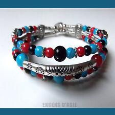Bracelet 3 RANGS PERLES : NOIR, BLEU, ROUGE et  BRELOQUE PLUME