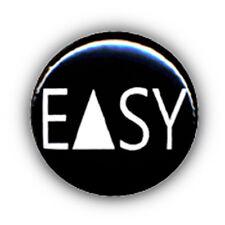Badge EASY stylisé geometric triangle rock pop vintage kawaii punk button Ø25mm