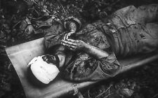 WWII photo Prayer of an American soldier wounded during a battle   world war 34b