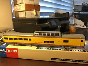 Walthers HO -Union Pacific Heritage ACF Dome Lounge City San Francisco  932-9602