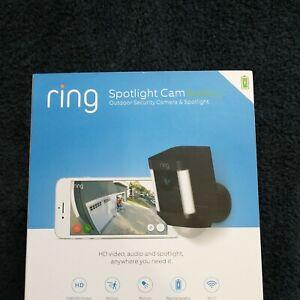 Ring Spotlight Cam Battery. Outdoor security Camera and Spotlight 1080 HD