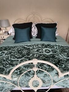 Beautiful Laura Ashley King Size Bed Throw - Teal