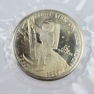 1989 First Men On The Moon $5 Comm. Coin Republic Of The Marshall Islands