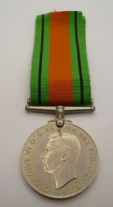 WW2 GENUINE 1939 - 45 DEFENCE MEDAL