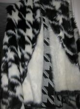 Poncho / Cape / Shrug Black / White faux fur Stunning Teenager.Young lady.Classy