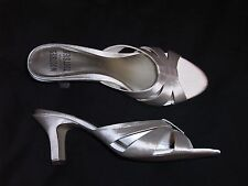 8.5 M Mootsies Tootsies White Satin Ladies Shoes High heels leather soles off B