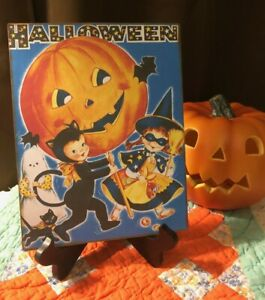 HALLOWEEN, Retro, Trick or Treaters, Handcrafted Plaque / Sign