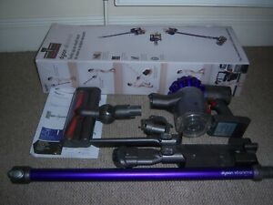 Dyson V6 Animal cordless Stick vacuum cleaner boxed in working condition