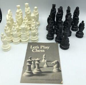 Vintage Renaissance Chessmen Chess Replacement Pieces E S Lowe Plastic.