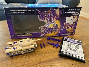 Vintage 1985 HASBRO DECEPTICON Triple Changer BLITZWING