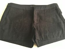 GUESS BLACK SHORTS  SIZE  4