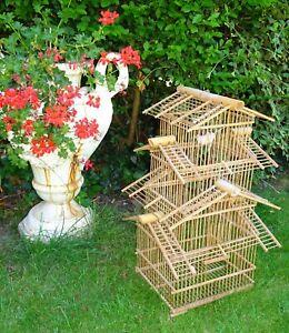 superbe Cage à Oiseaux En bambou forme pagode années 1960 - 70