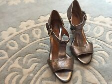 Sofft Pewter Silver Metallic T-Strap Peep Toe Heels Shoe Leather 8