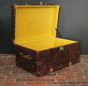 Luxury Handmade English Leather Coffee Table Trunk