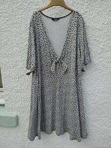 Plus size 30/32 ladies Summer Dress Viscose Yours Clothing Black White