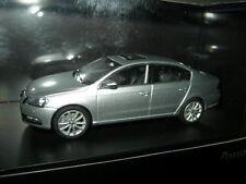 1:43 Schuco VW Passat B7 Typ3C  Limousine silber/silver OVP