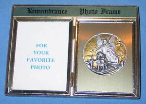 Remembrance Baby Italy Medallion Photo Frame Shower Gift - NEW