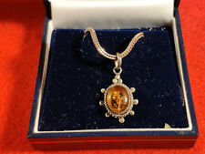Silver necklace with Amber pendant boxed