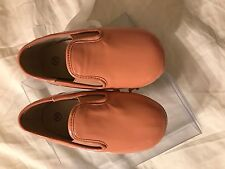 Zeebra baby size 23 salmon patent smoking slipper