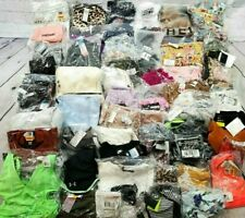 Wholesale Lot of 67 Women's Medium Clothing Items From Various Brands -Bbl1294