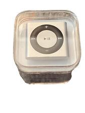 Apple iPod shuffle Silver 2GB MP3 Player - Silver