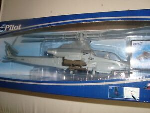 Helicopter Bell Ah 1Z Cobra US Army New 1/55° New Ray 26123