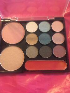 ELIZABETH ARDEN PALLET #4 beige powder, blush, 9 Eye shadows & gloss Note