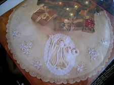 "BUCILLA Felt Holiday Applique TREE SKIRT Kit,WHITE CHRISTMAS,Elegant,43"",85326"