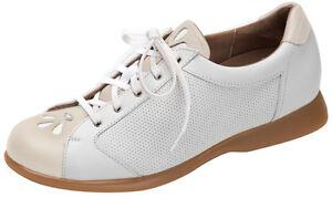 Sandbaggers Golf Shoes: Deb Almond