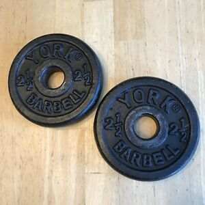 2 York Barbell 2-1/2 LB Weight Plates Standard 1 1/8 Holes 2 = 5 LB Vintage